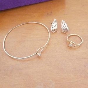 Avon bracelet and ring set earrings butterfly